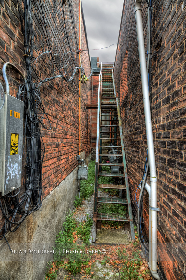Back-Alley-IMG_5181_2_3_tonemapped-edit
